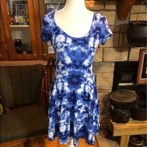 derek heart cap sleeve tye dye dress size medium